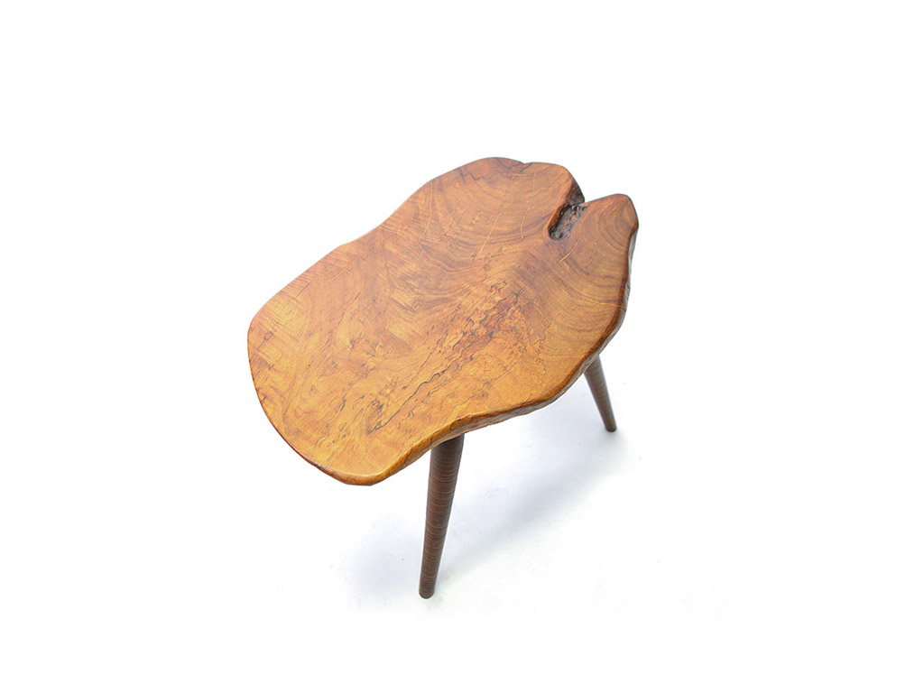 STOOL OF SOLID WALNUT
