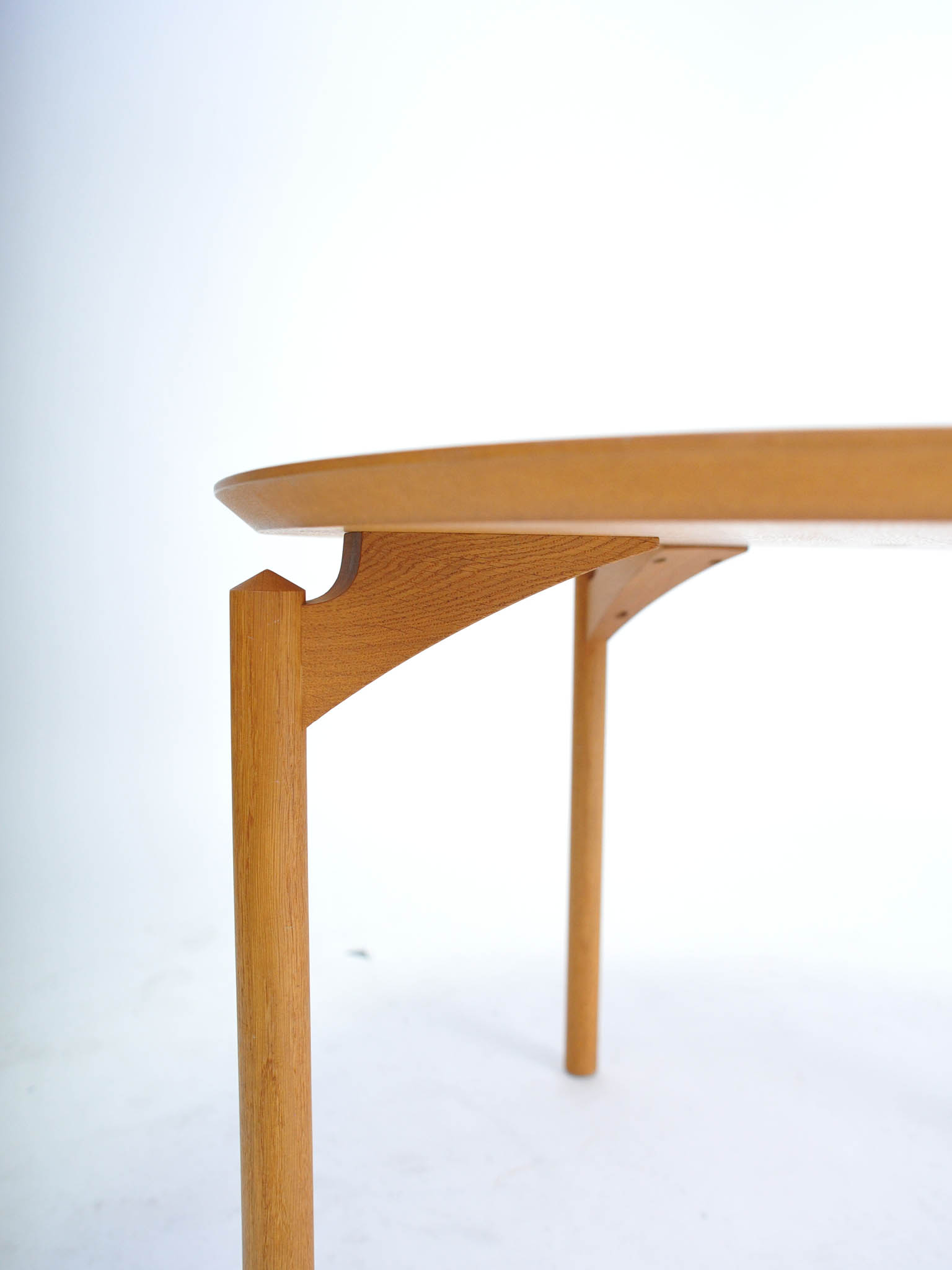 TROELS GRUM SCHWENDSEN SOFA TABLE