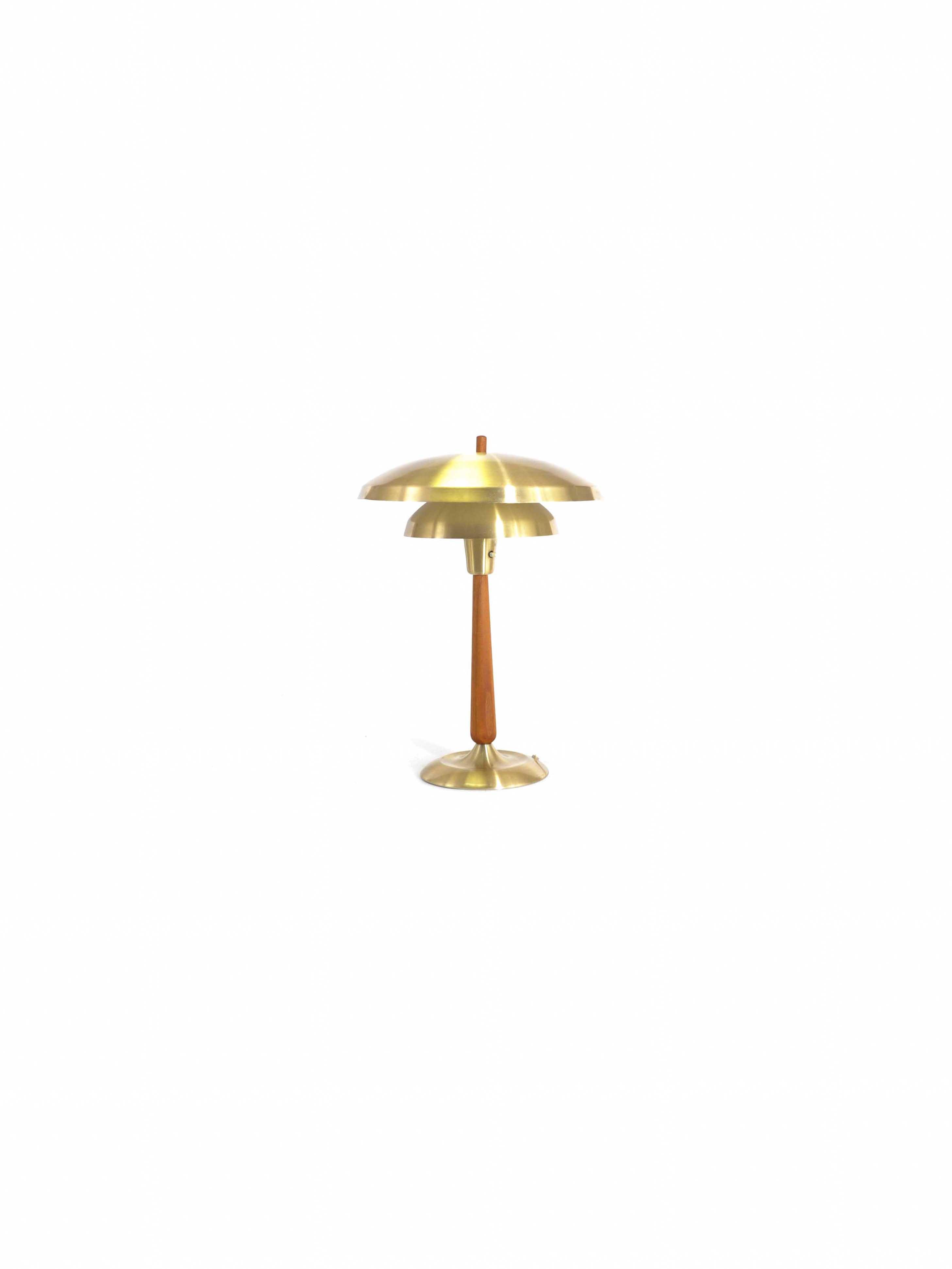 NORWEGIAN TABLE LAMP